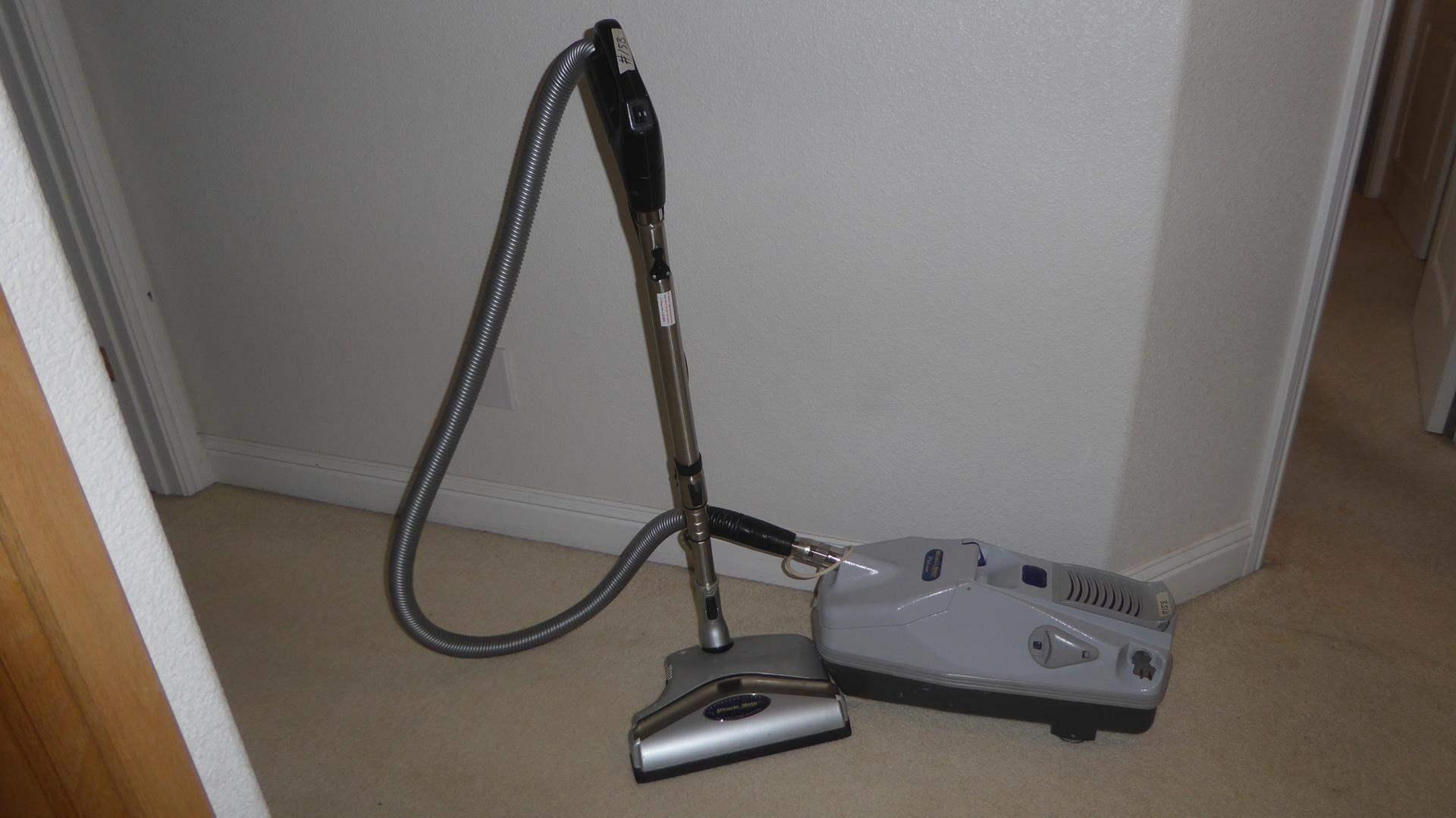 Lot # 158 - Miracle Mate Platinum Vacuum Cleaner (main image)