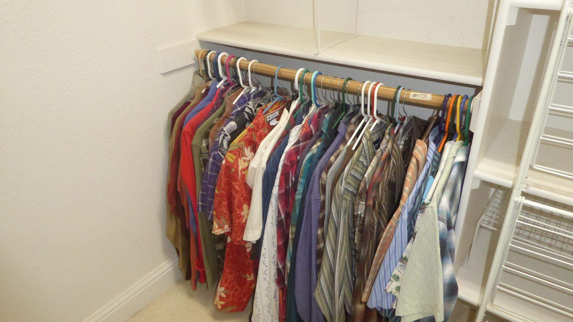 Lot # 173 - Men's Western & Hawaiian Print Shirts (Mainly Size L) (main image)