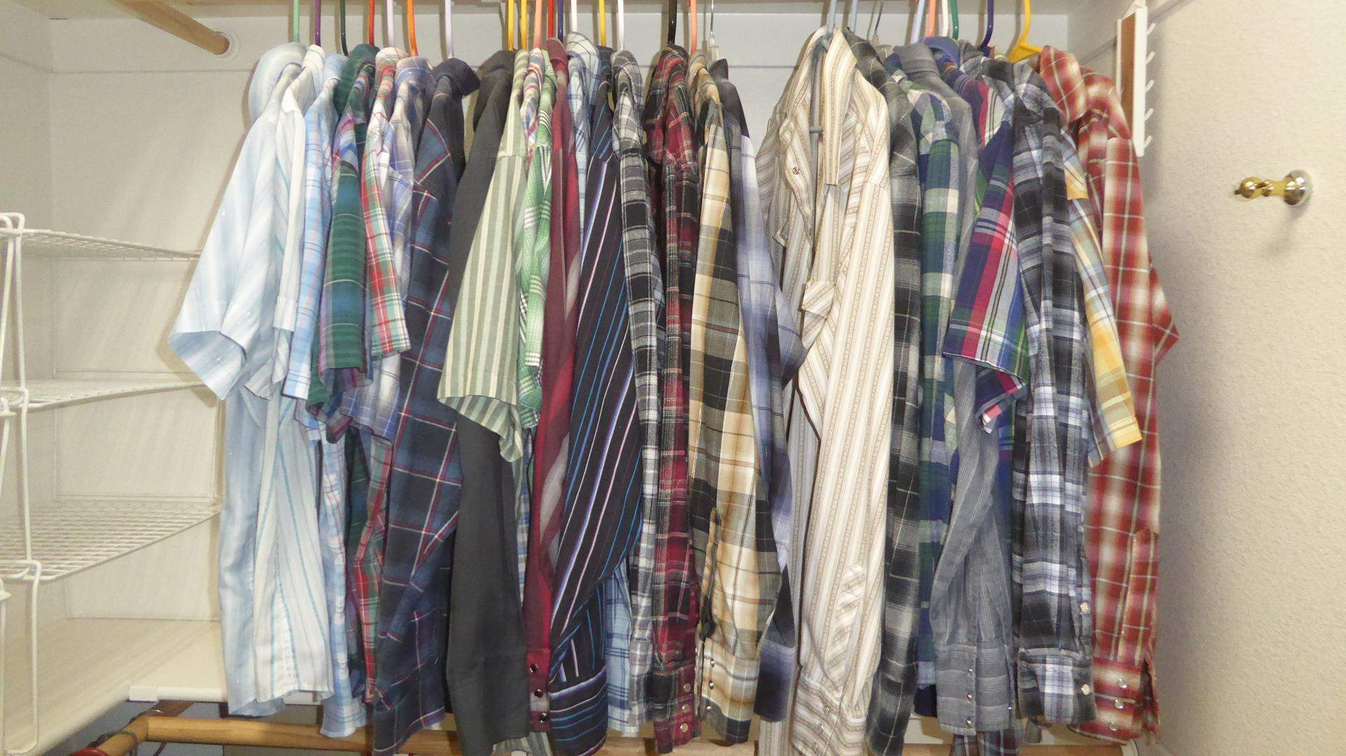 Lot # 174 - Men's Plaid Shirts (Sz. L) (main image)