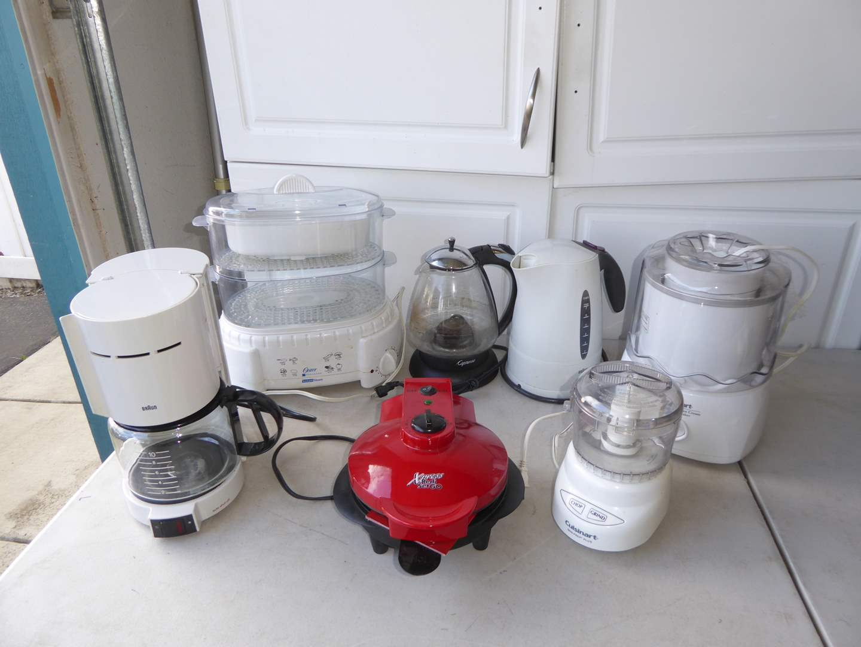 Lot # 37 - Small Kitchen Appliances (Chopper, Steamer, Yogurt Maker & More)  (main image)