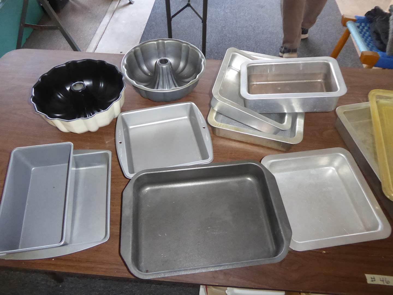 Lot # 46 - Baking Pans & Bundt Pans  (main image)