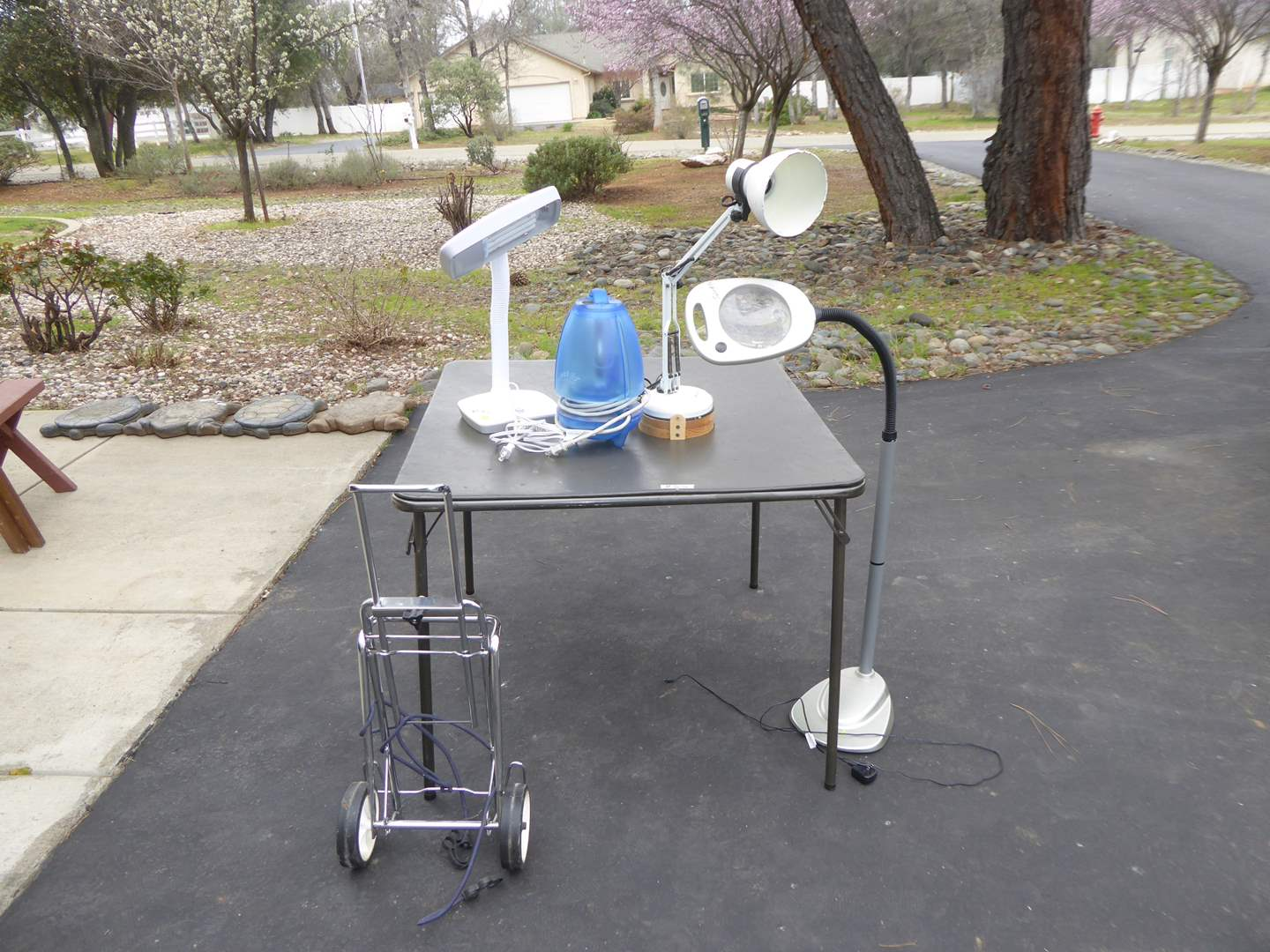 Lot # 85 - Card Table, Electric Bug Trap & Lamps (main image)