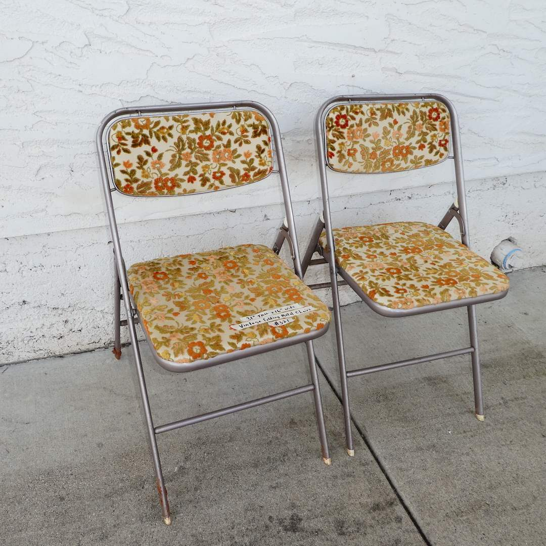 Lot # 321 - Two Adorable Vintage Samsonite Folding Chairs (main image)