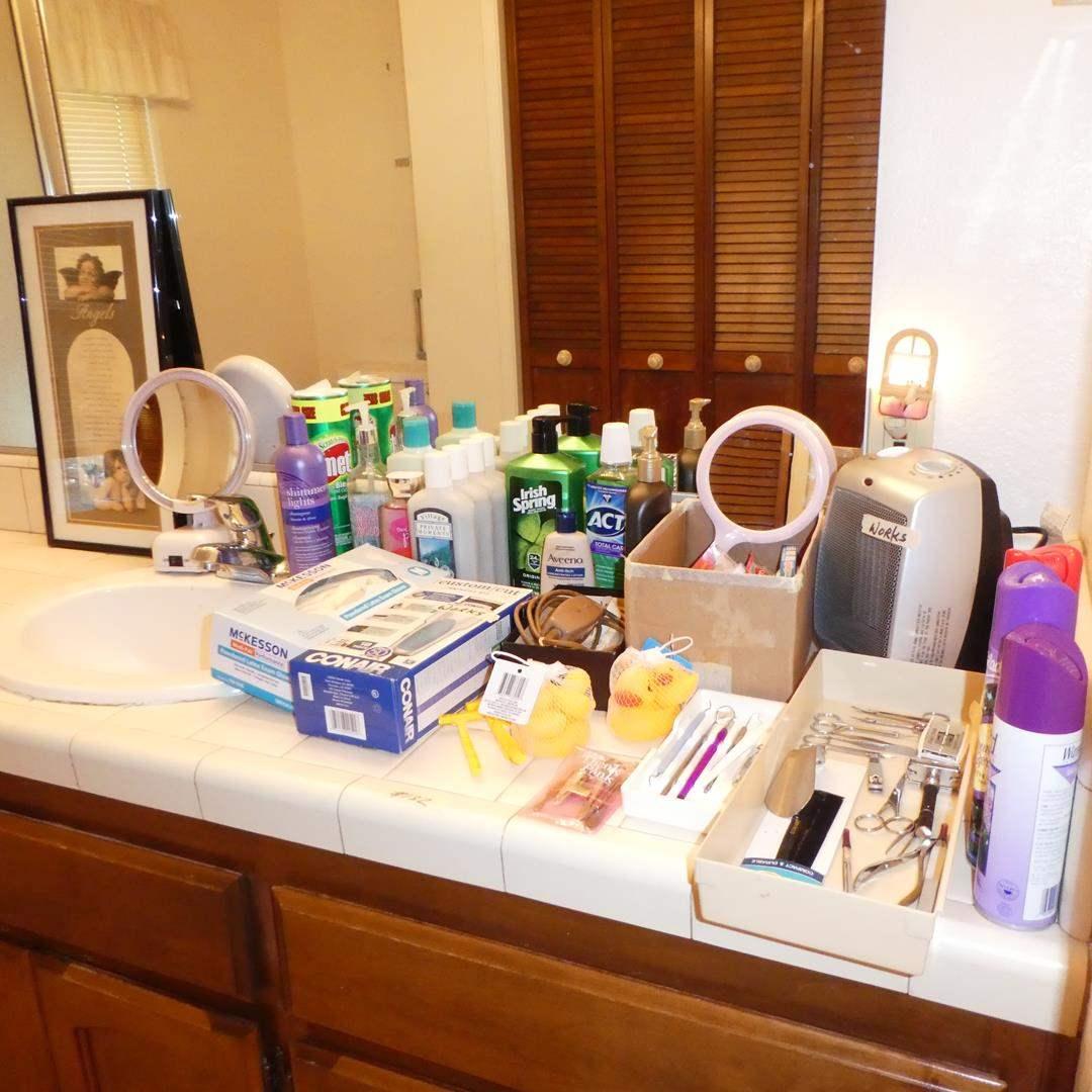 Lot # 132 - Vanity Stool & Bathroom Supplies (main image)