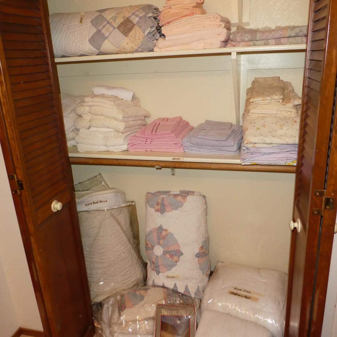 Lot # 135 - Quilts, Towels & Sheets  (main image)