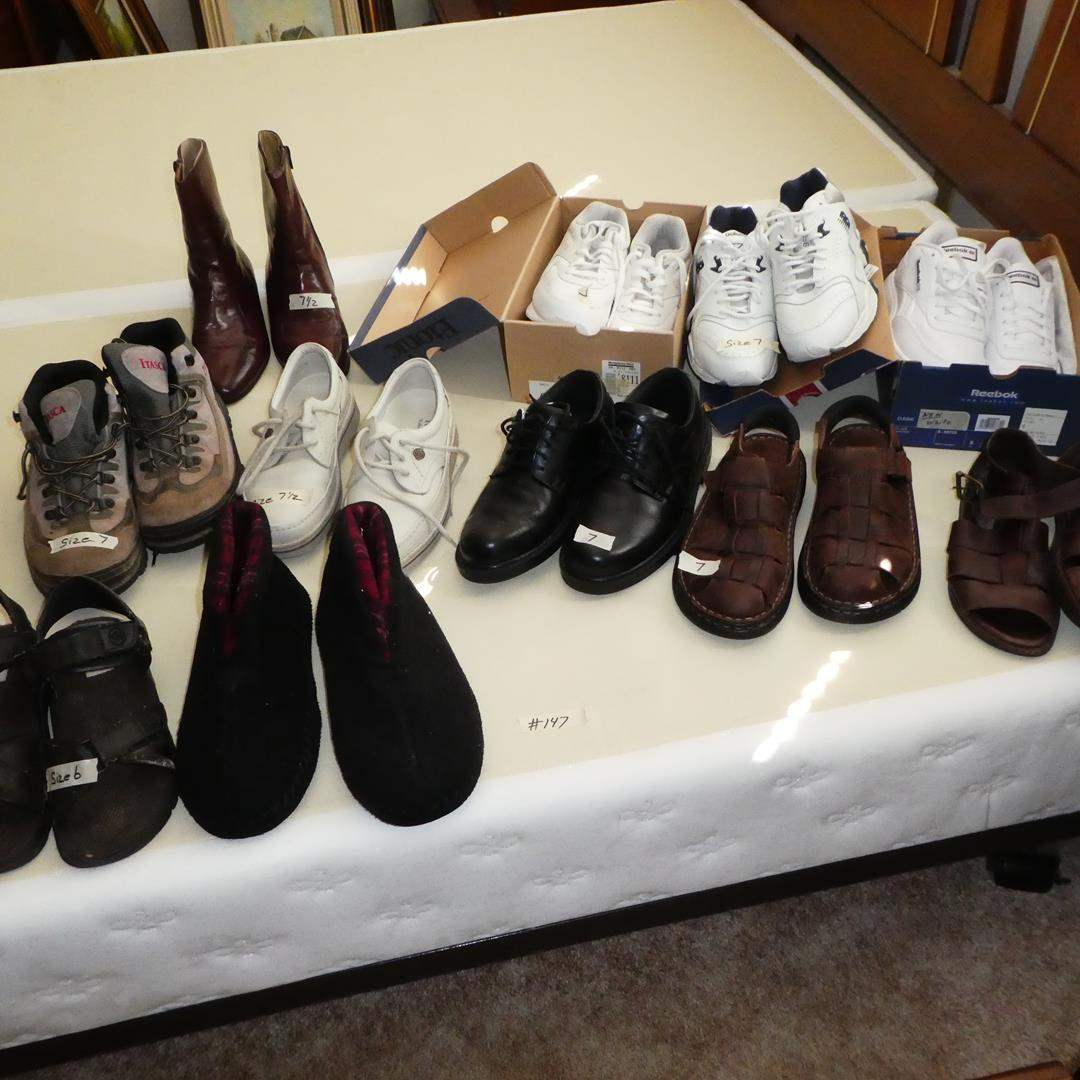 Lot # 147 - Men's Shoes Size 7 to 8 (main image)