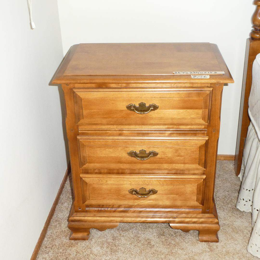Lot # 156 - Traditional Fan Fare 3 Drawer Nightstand (main image)