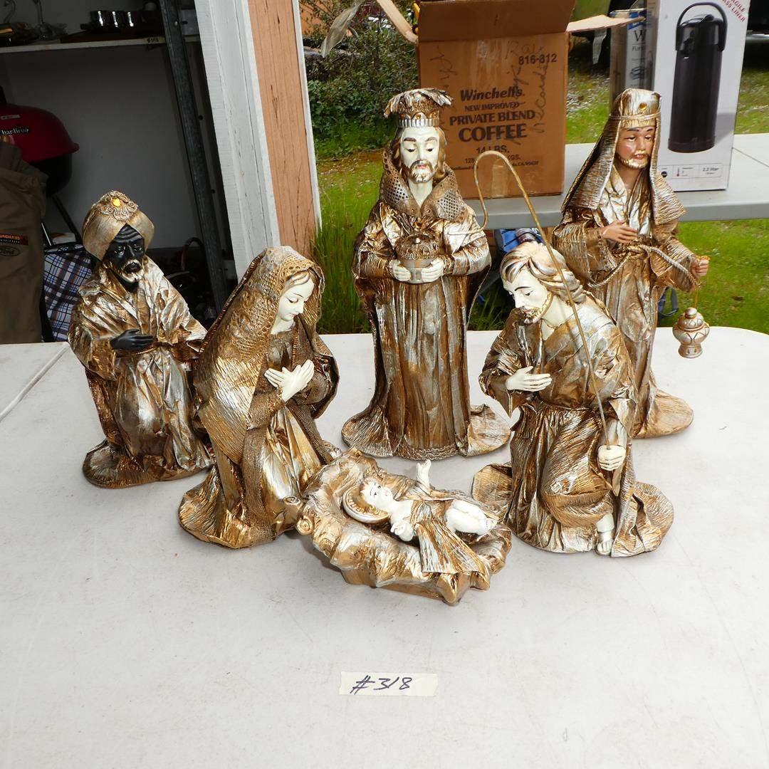 Lot # 318 - Vintage Fabrique Nativity Set - Hand Made in Japan (main image)