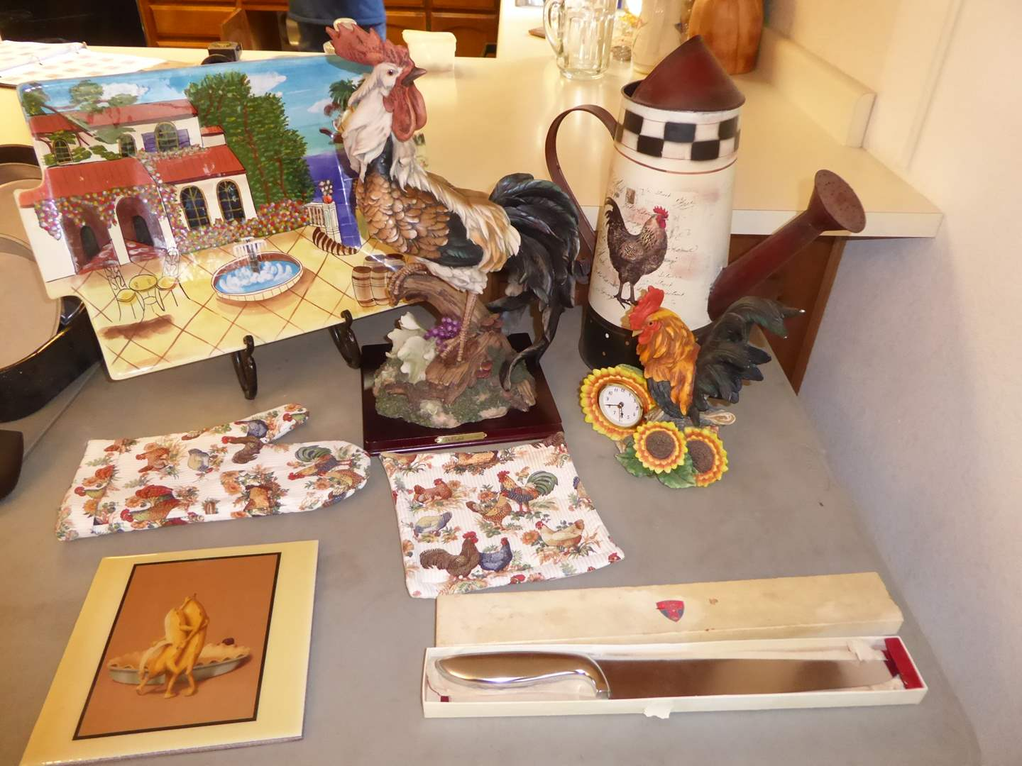 Lot # 36 - Rooster Decor & Other Kitchen Items   (main image)