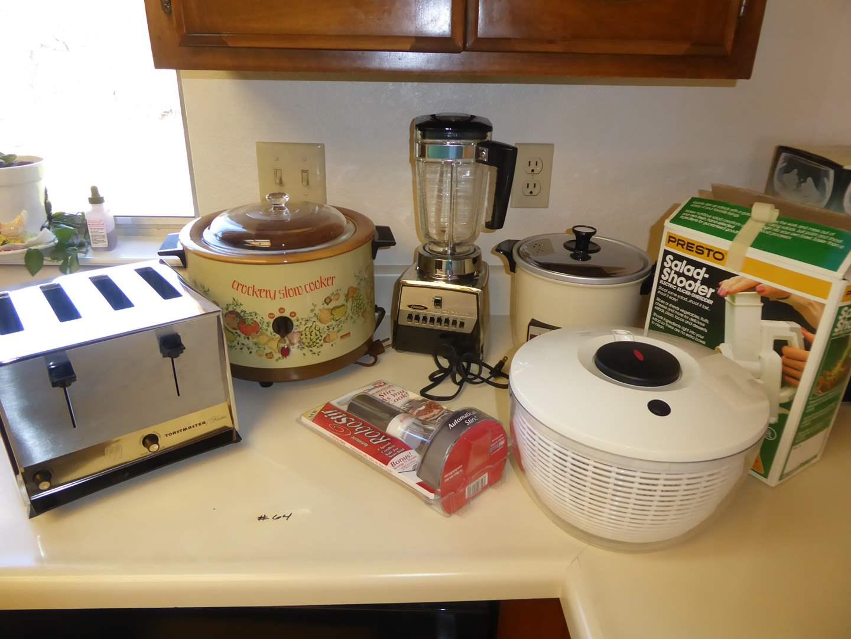 Lot # 64 - Vintage Toastmaster Hostess, Osterizer Blender & Crock Pot  (main image)