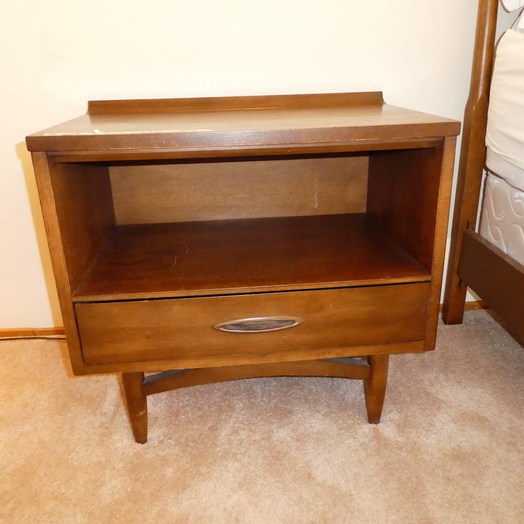 """Lot # 209 - Adorable Mid Century Modern """"Sculptra """" Night Stand w/ Dovetailed Drawers (main image)"""
