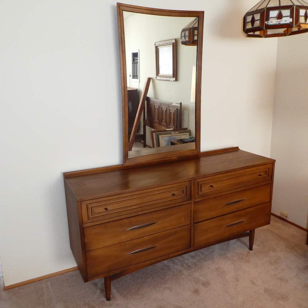 Lot # 214 - Beautiful Mid Century Modern Broyhill Sculptra Premier Triple Dresser w/ Mirror  (main image)