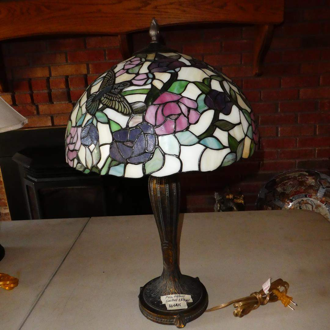 Lot # 106 - Tiffany Style Stained Glass Hummingbirds Table Lamp (main image)