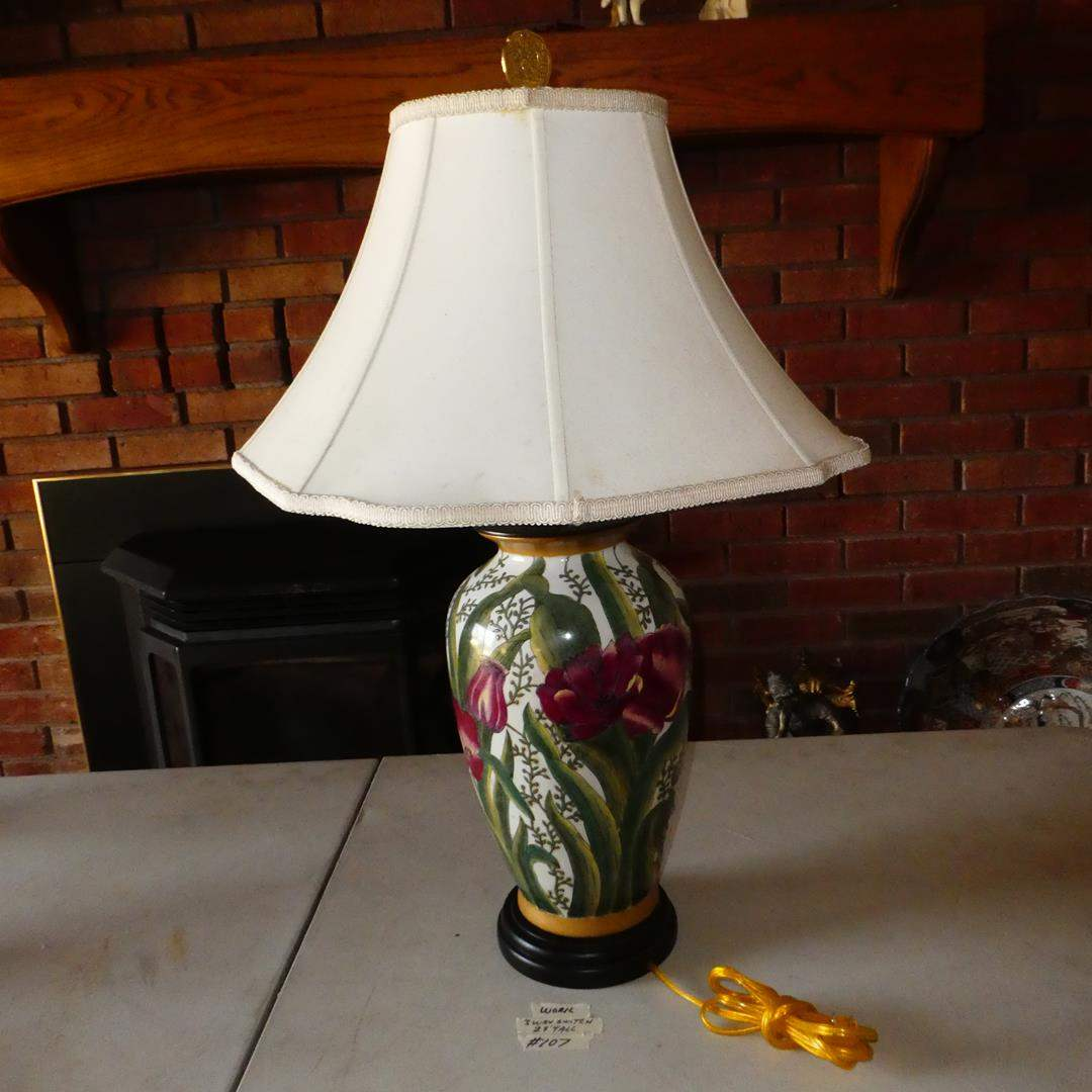 Lot # 107 - Lovely Floral Ceramic Table Lamp (main image)