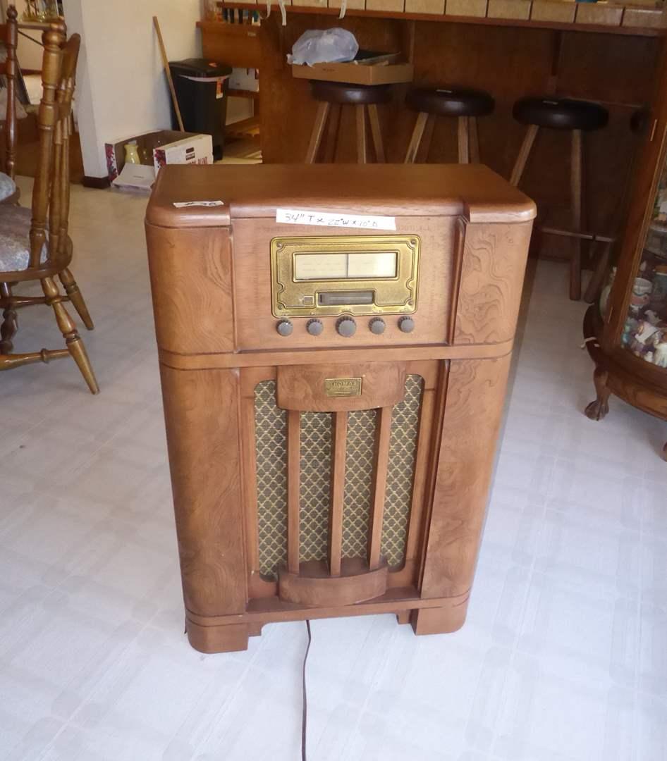 Lot # 38 - Thomas Collectors Edition Radio BD100  (main image)