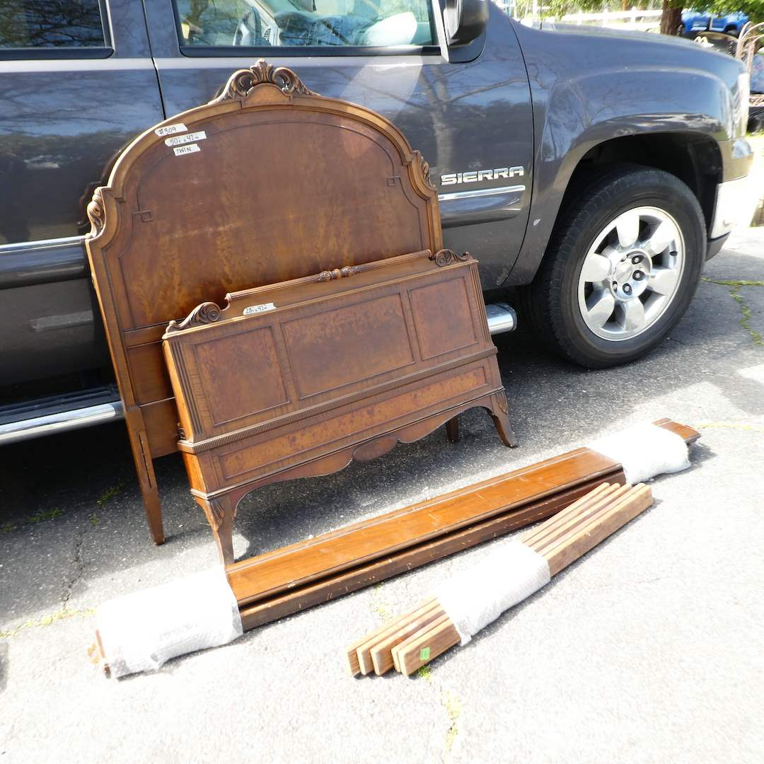 Lot # 309 - Adorable Solid Wood Twin Size Bed Frame w/ Headboard and Footboard (The Lammert Furniture Co.) (main image)