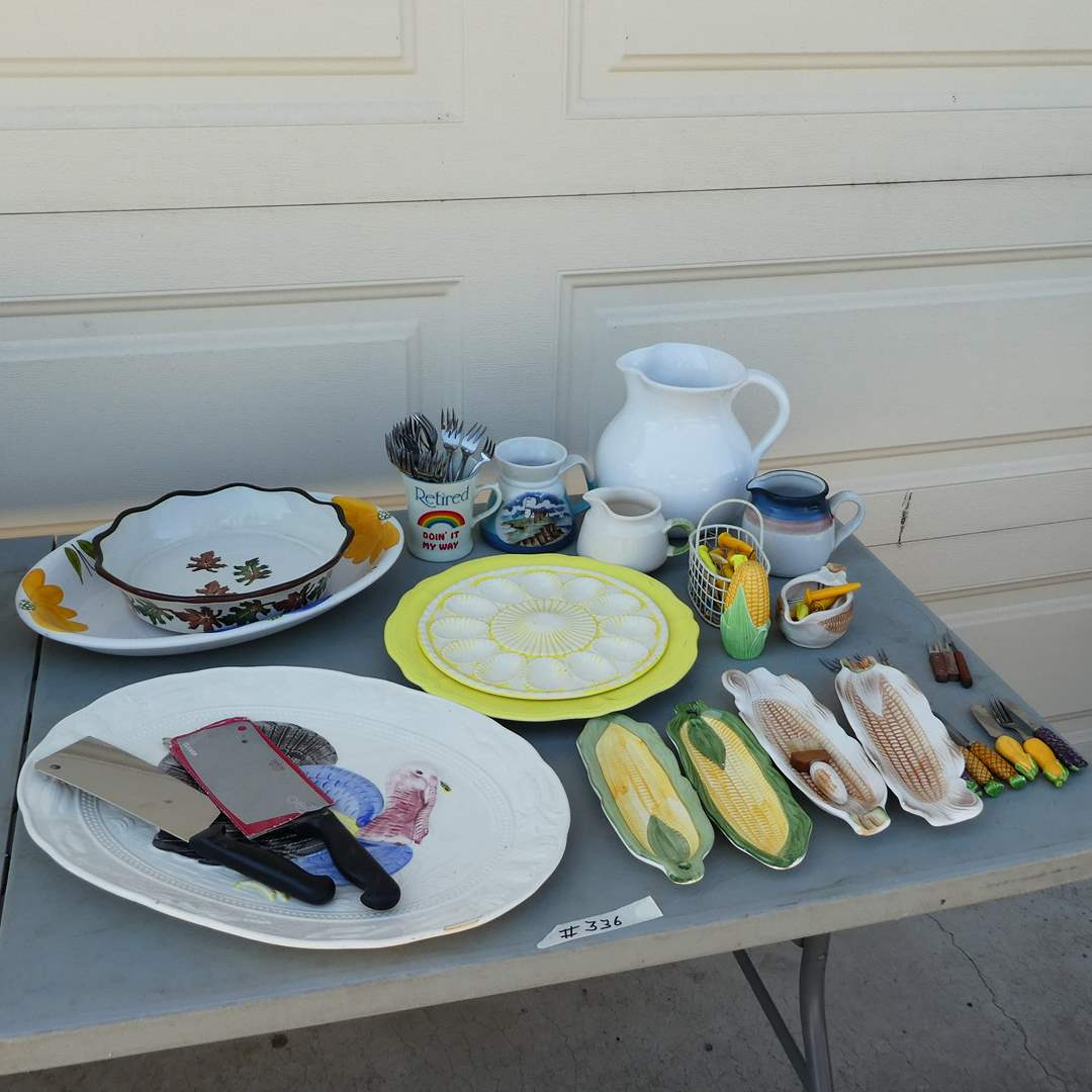 Lot # 336 - Adorable Vintage Ceramic Dishes, Corn Holders and More (main image)