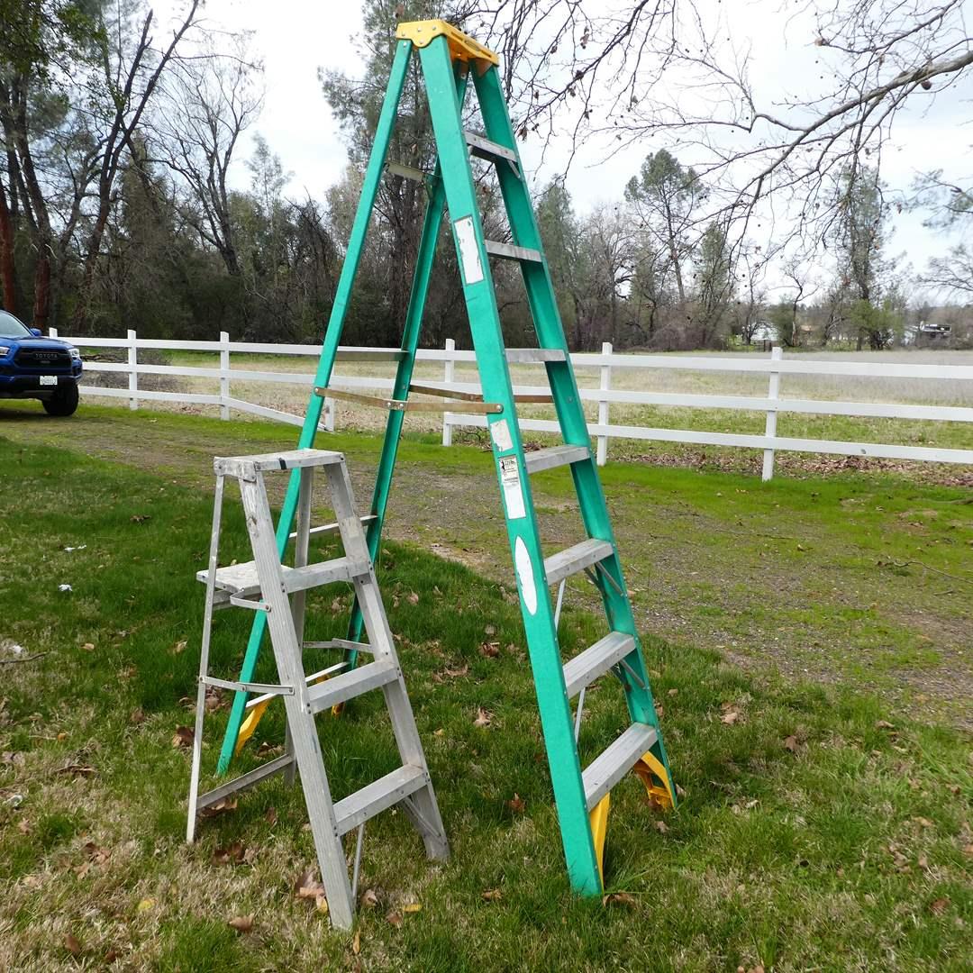 Lot # 372 -  8FT Werner Ladder and 4FT Ladder (main image)