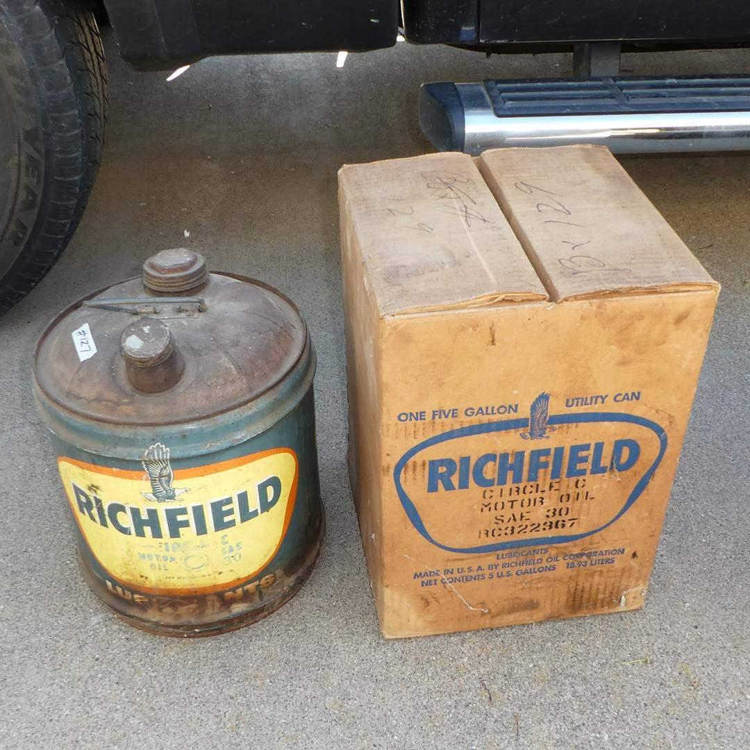 Lot # 127 - Vintage 5 Gallon 'Richfield Oil' Can w/Original Box (main image)