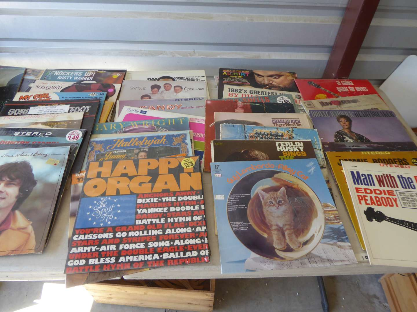 Lot # 4 - Lot Of 100 Records  (main image)