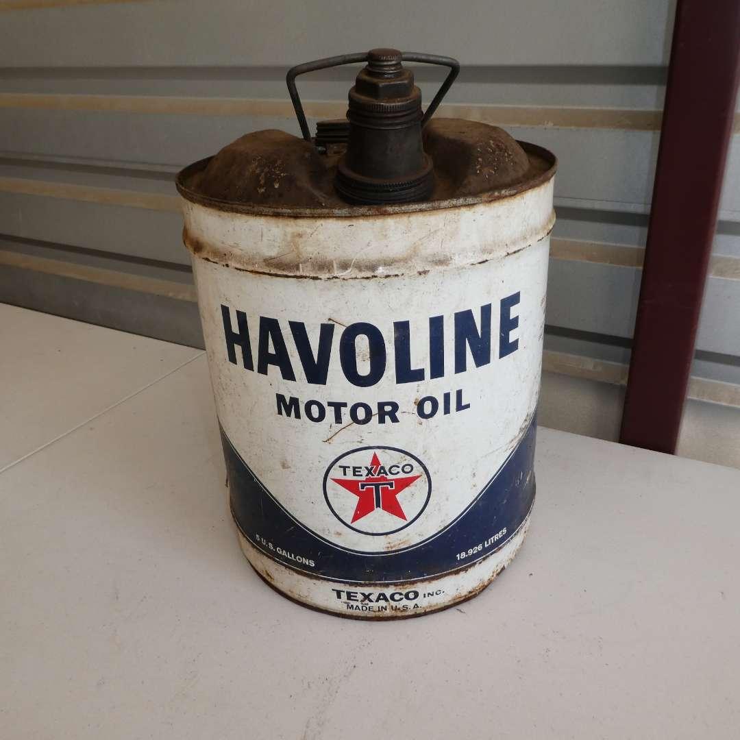 Lot # 307 - Vintage 5 Gallon Havoline Motor Oil Texaco Can w/ Round Circle Texaco Logo (main image)