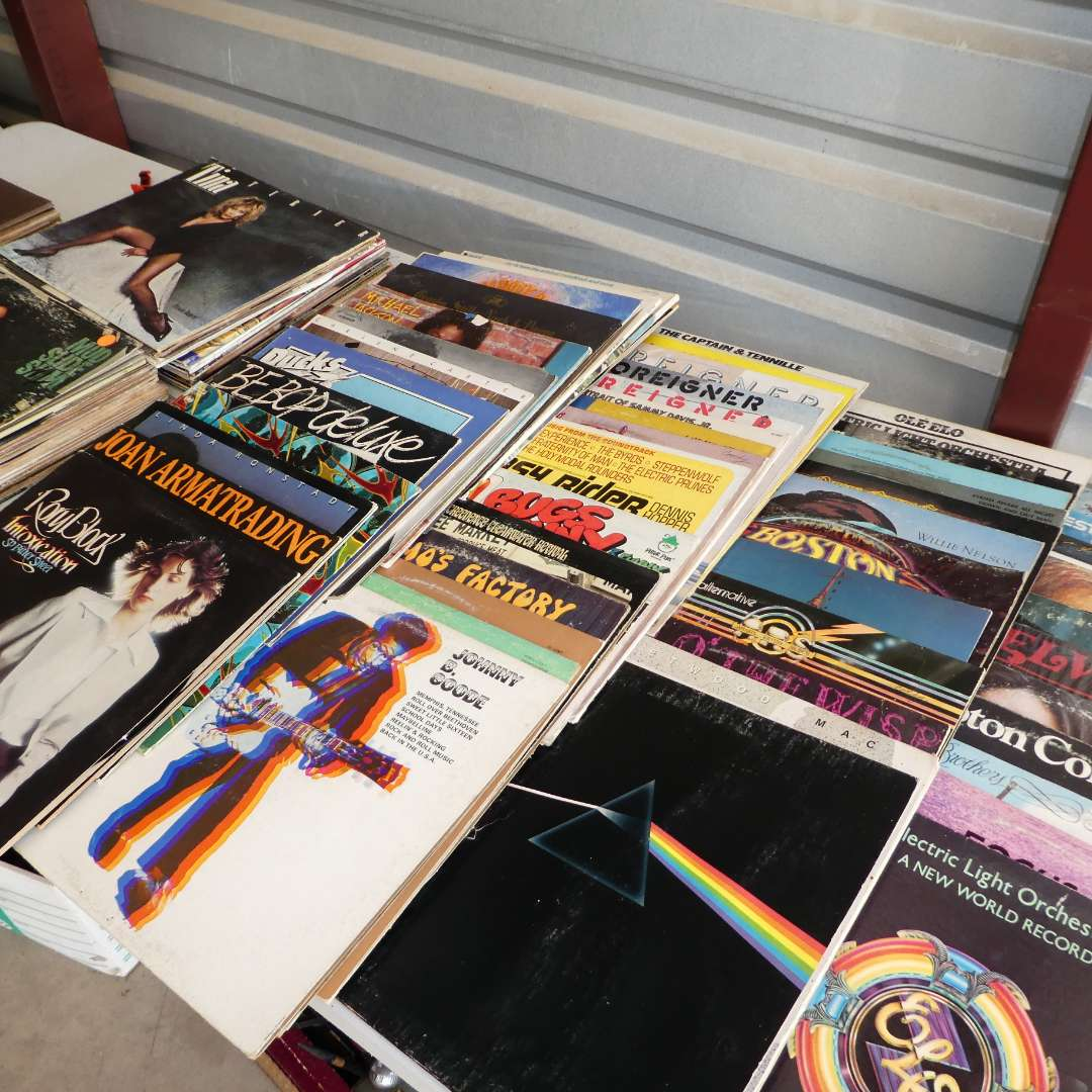 Lot # 316 - Lot of 100 Records  (main image)