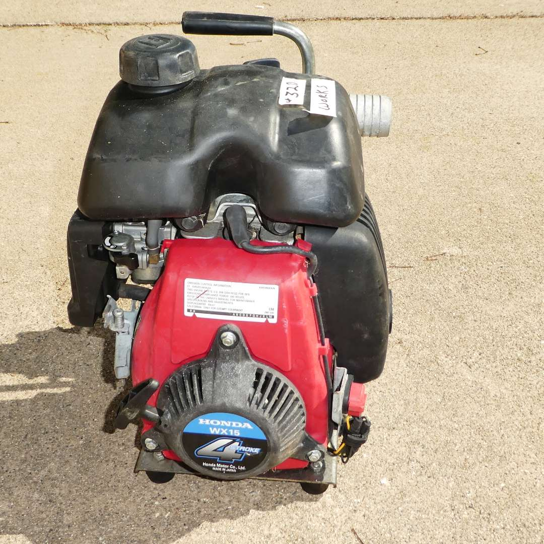 Lot # 320 - Honda WX15 4 Stroke Water Pump (main image)
