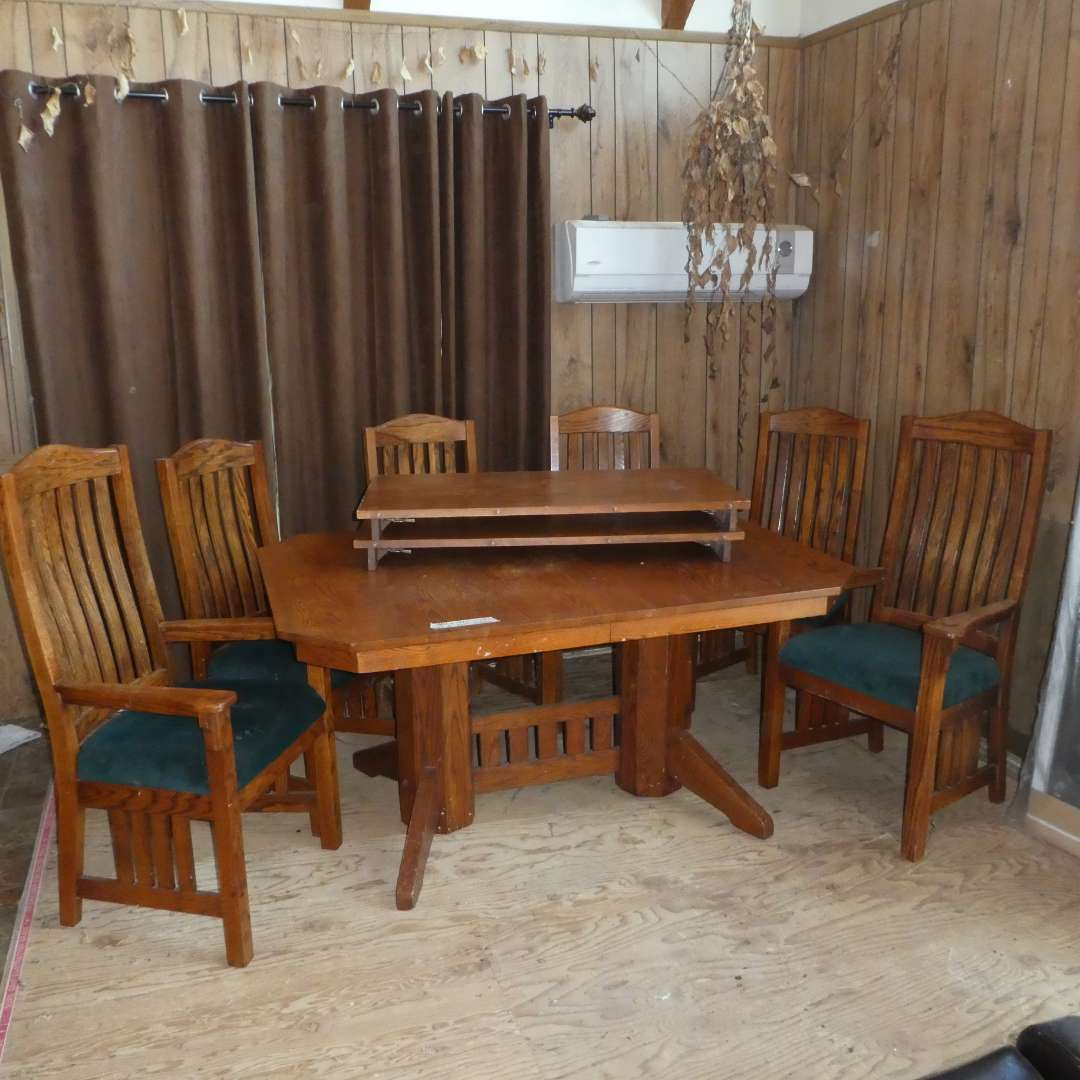 Lot # 1 - Mission Style Dinning Table w/ 6 Chairs (Two 21in leaves)( Upholster and Wood could use some TLC)  (main image)