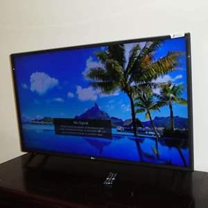 "Auction Thumbnail for: Lot # 125 - LG 43"" UHD TV 4K w/Remote & Original Box"