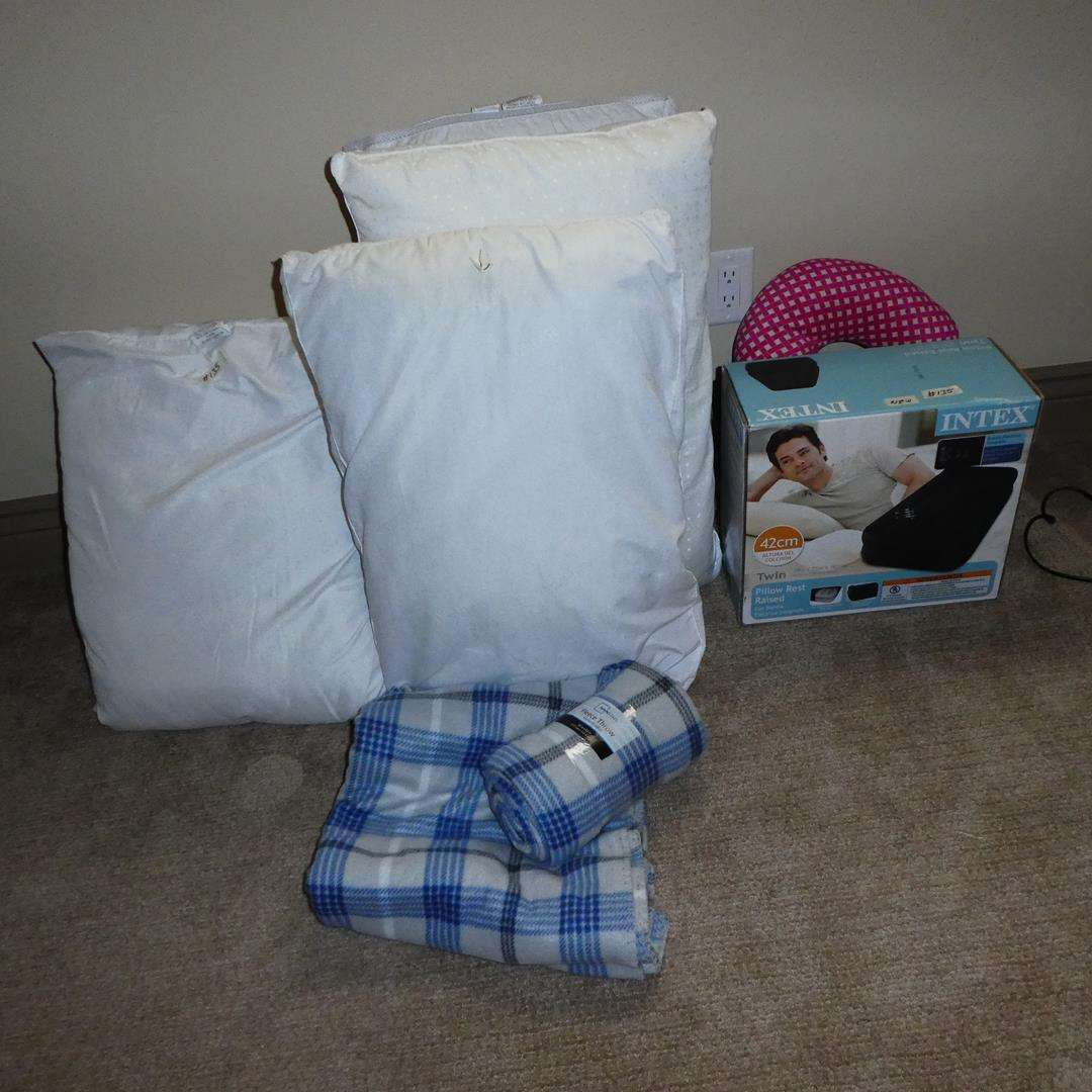 Lot # 135 - Twin Pillow Rest Raised Air Bed, Throws & Bed Pillows (main image)