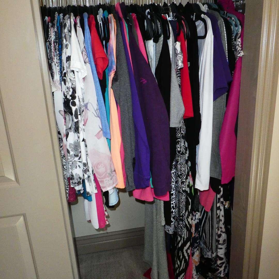 Lot # 137 - Ladies Clothing Mainly Medium Some Large (main image)