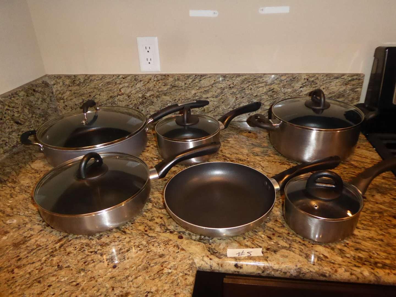 Lot # 5 - Pots & Pans  (main image)