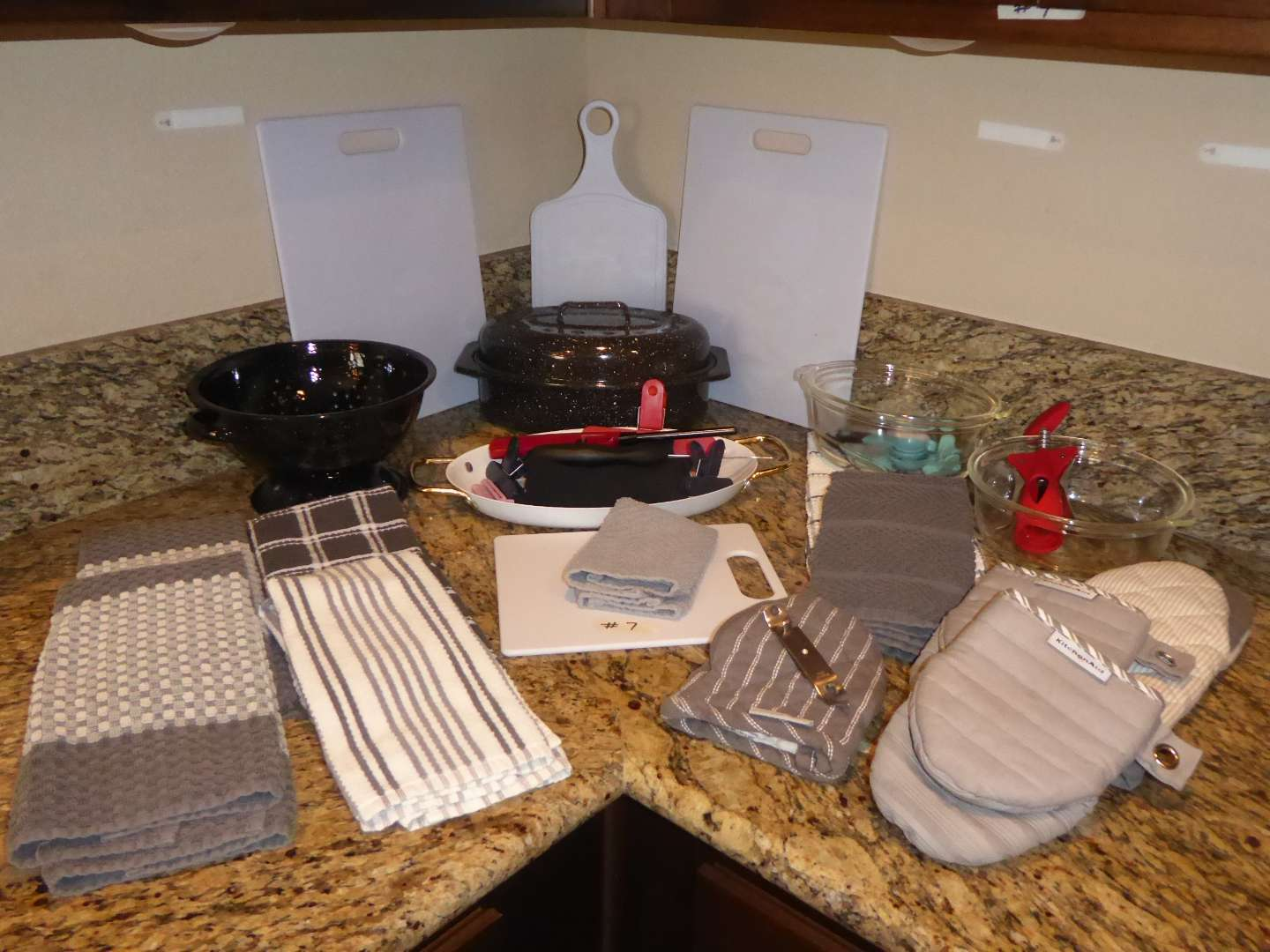 Lot # 7 - Kitchen Lot - Roasting Pan, Pot Holders, Cutting Boards & More  (main image)