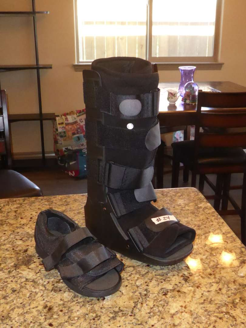 Lot # 24 - Medical Walking Boot (Used For About A week) (main image)
