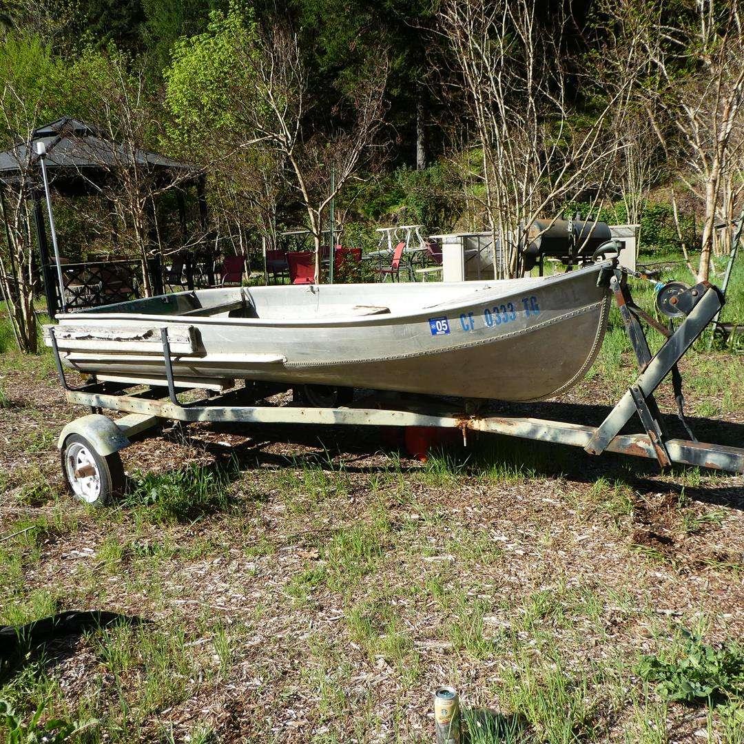 Lot # 147 - 11' Fishing Boat on Trailer (main image)