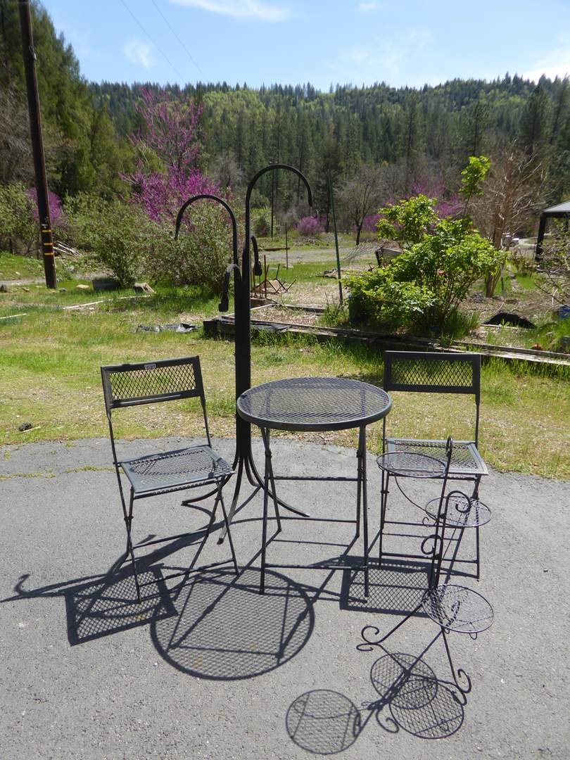 Lot # 189 - Metal Table & Chairs & Metal Plant Holders  (main image)