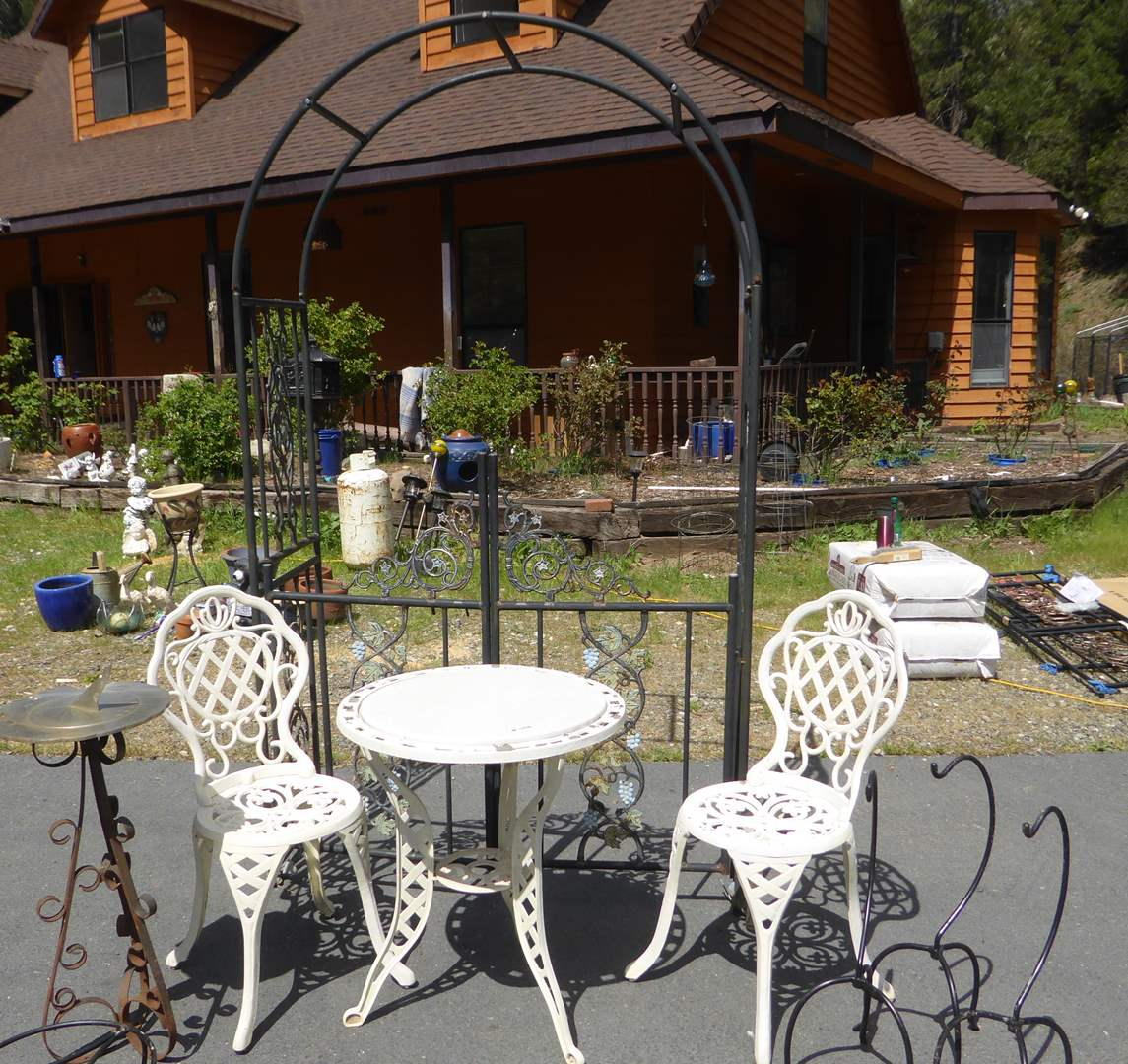 Lot # 190 - Cast Aluminum Table & Chairs, Garden Trellis & More  (main image)
