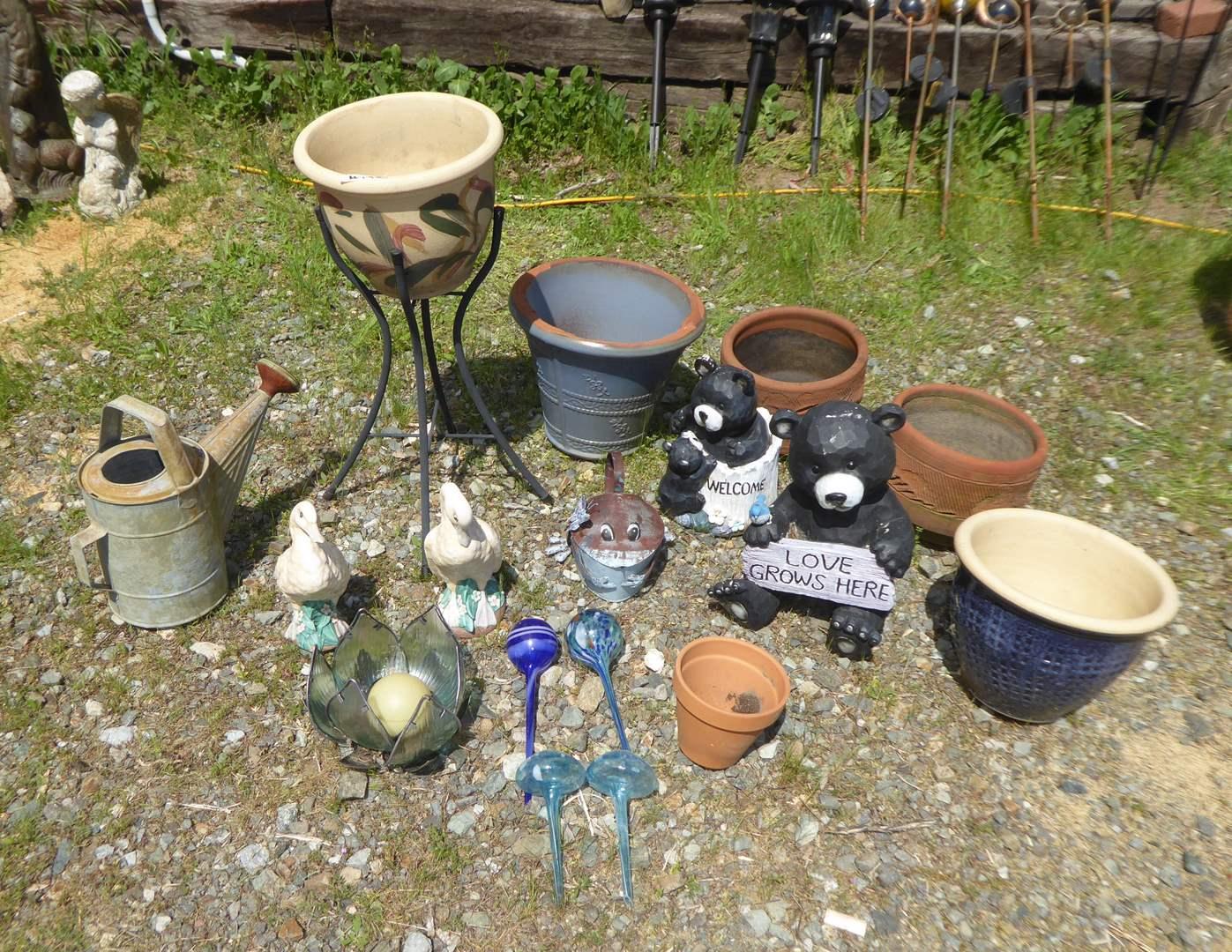 Lot # 192 - Planters, Figurines & Yard Art  (main image)