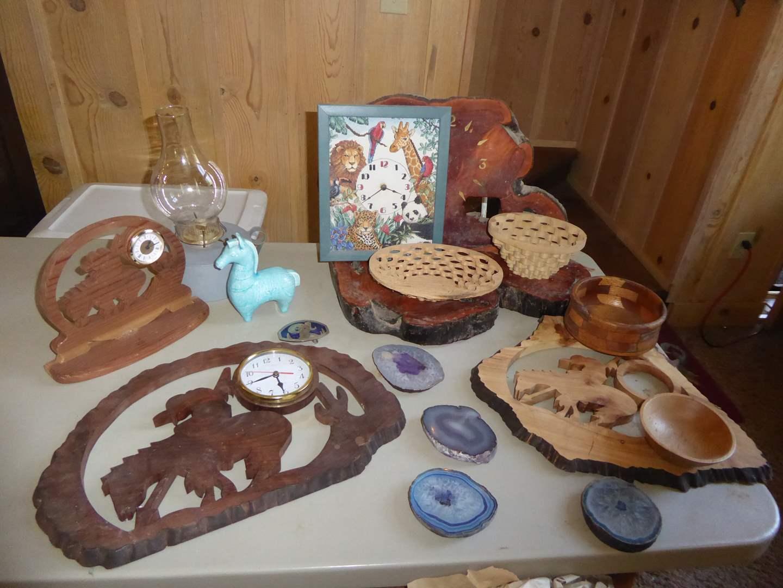 Lot # 314 - Wooden Clocks & Clock Parts, Wooden Bowls & Agate Slices  (main image)
