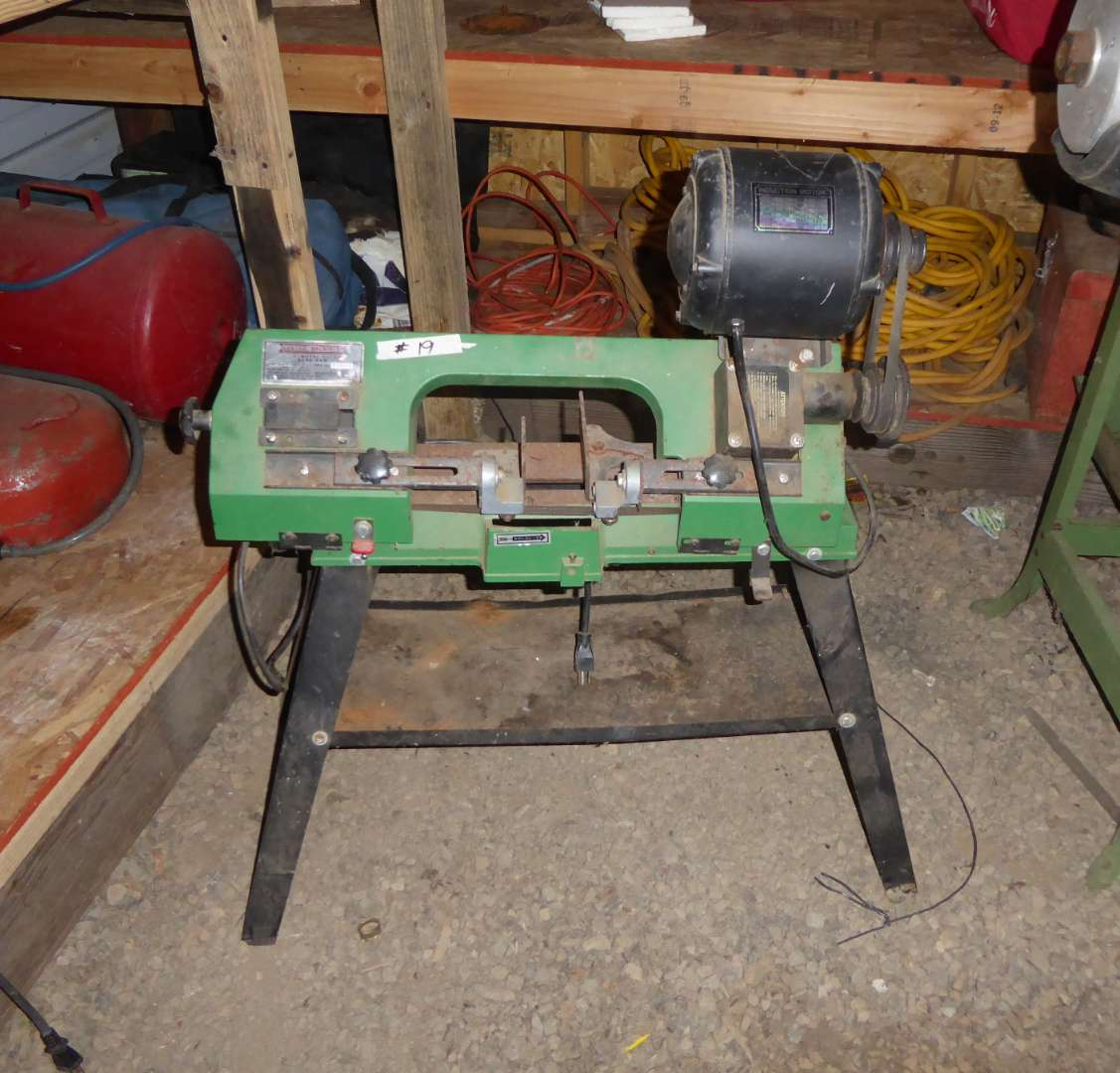 Lot # 19 - Central Machinery Metal Cutting Band Saw  (main image)