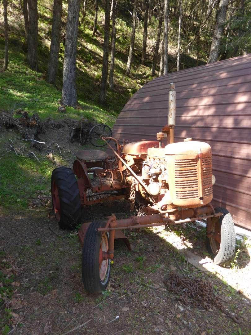 Lot # 180 - Farmal Super A Tractor (Doesn't Run)  (main image)