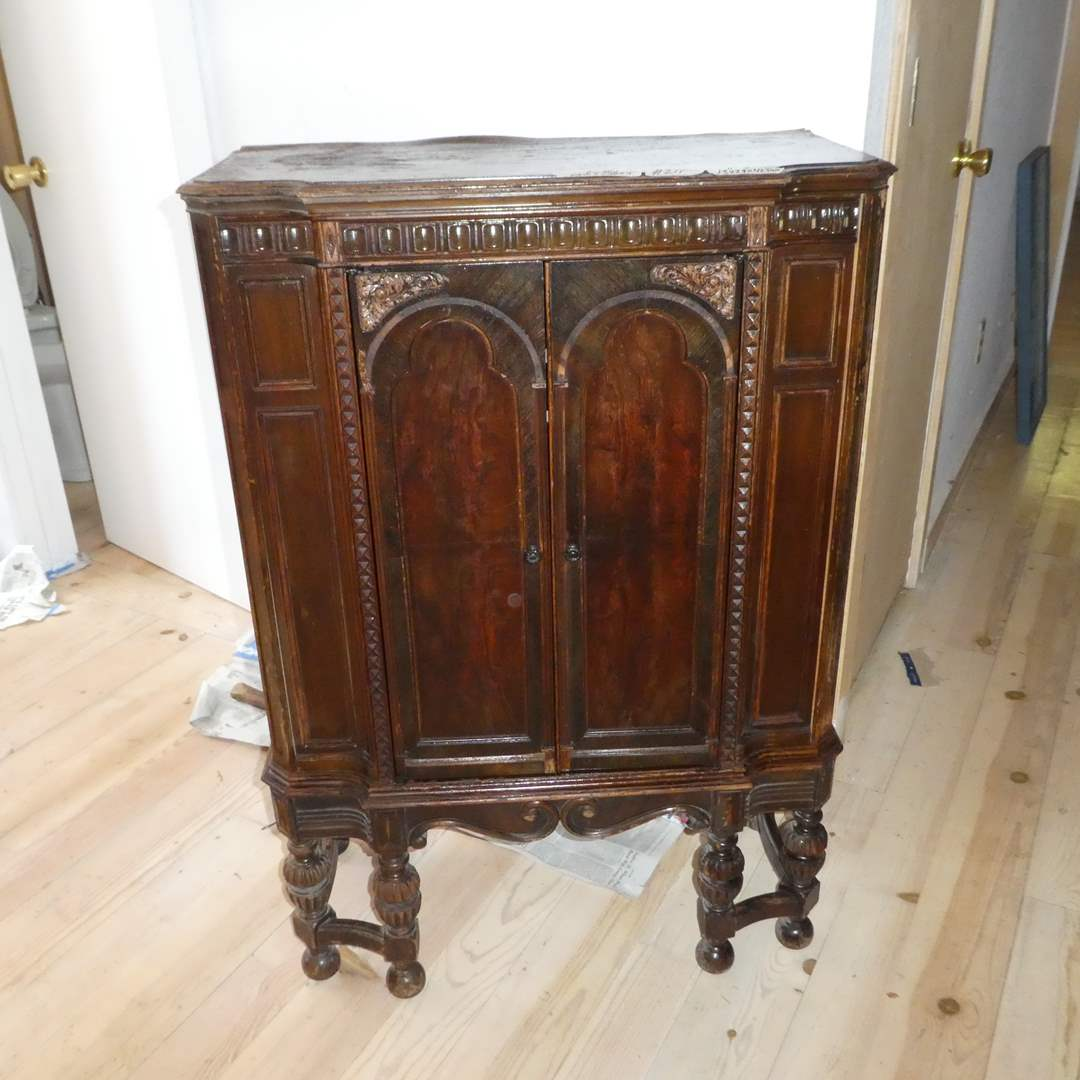 Lot # 211 - Empty Antique Radio Cabinet (For Restoration) (main image)