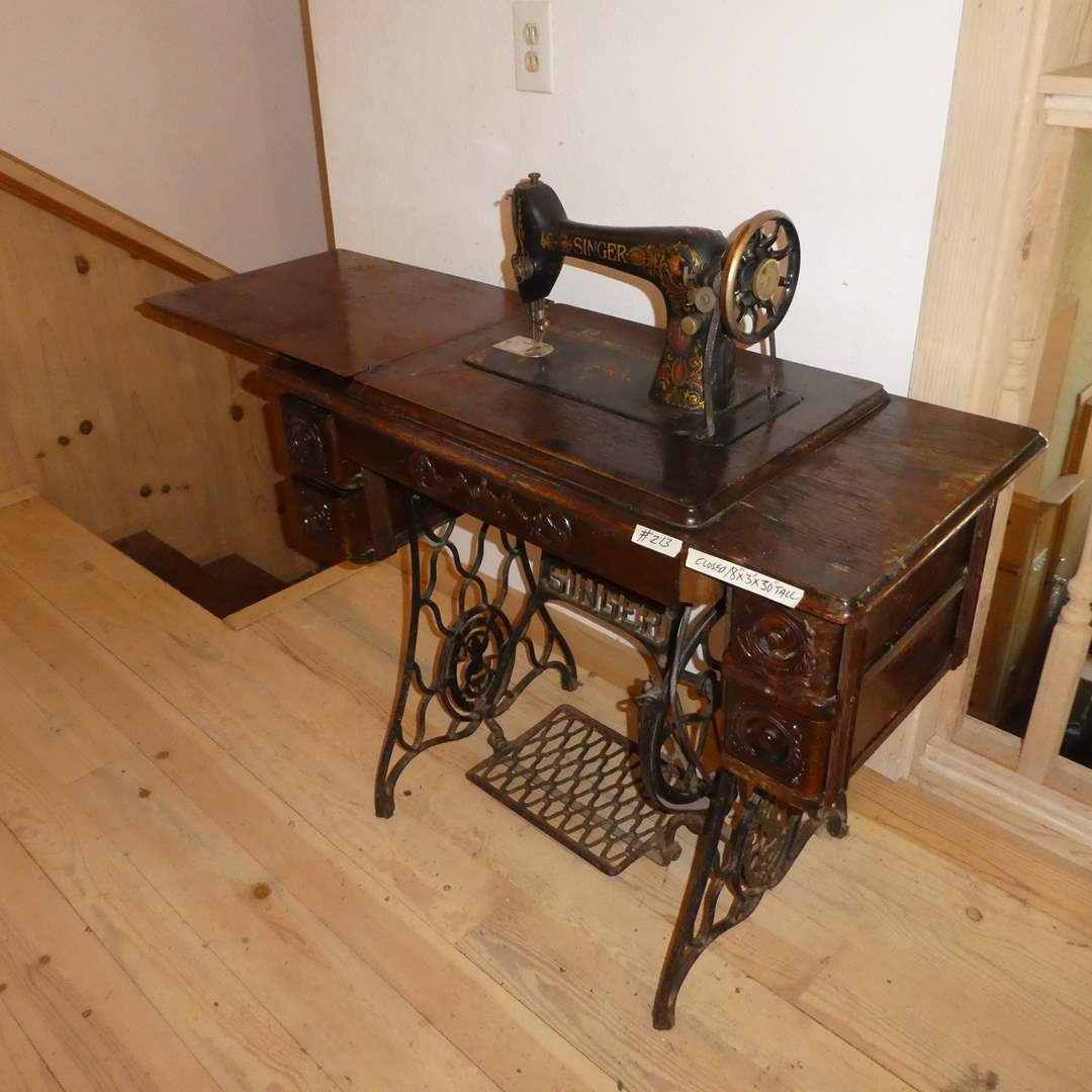 Lot # 213 - Antique Singer Sewing Machine (main image)