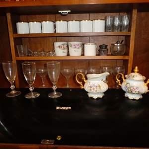 Lot # 156 - Vintage Bar Glasses, Mugs & More