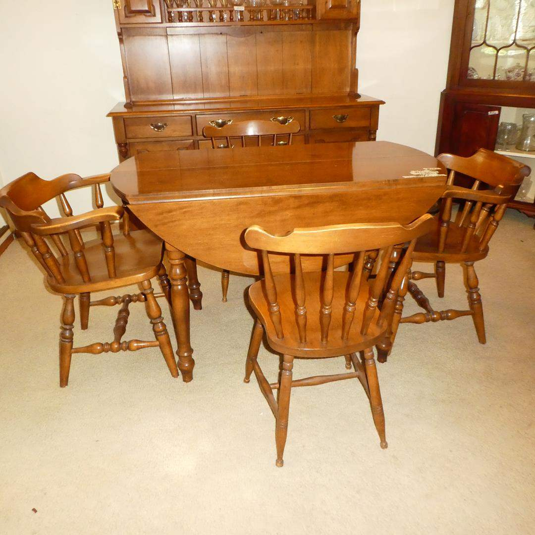 Lot # 157 - Vintage Maple Drop Leaf Table w/Two Leaves & Four Chairs (main image)