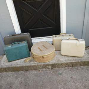 Lot # 196 - Vintage Luggage Cases