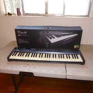 Lot # 34 - M Audio Oxygen 61 USB Midi Controller Keyboard