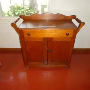 Lot # 60 - Cute Vintage Tea Cart/ Wash Stand ( Dovetail Drawer) (No Key)