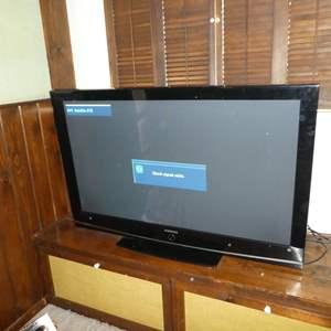 "Lot # 92 - 50"" Samsung Plasma TV (Model HPT5054X/XAA) w/ Remote"