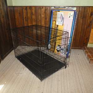 Lot # 200 -  Four Paws Deluxe Dog Crate